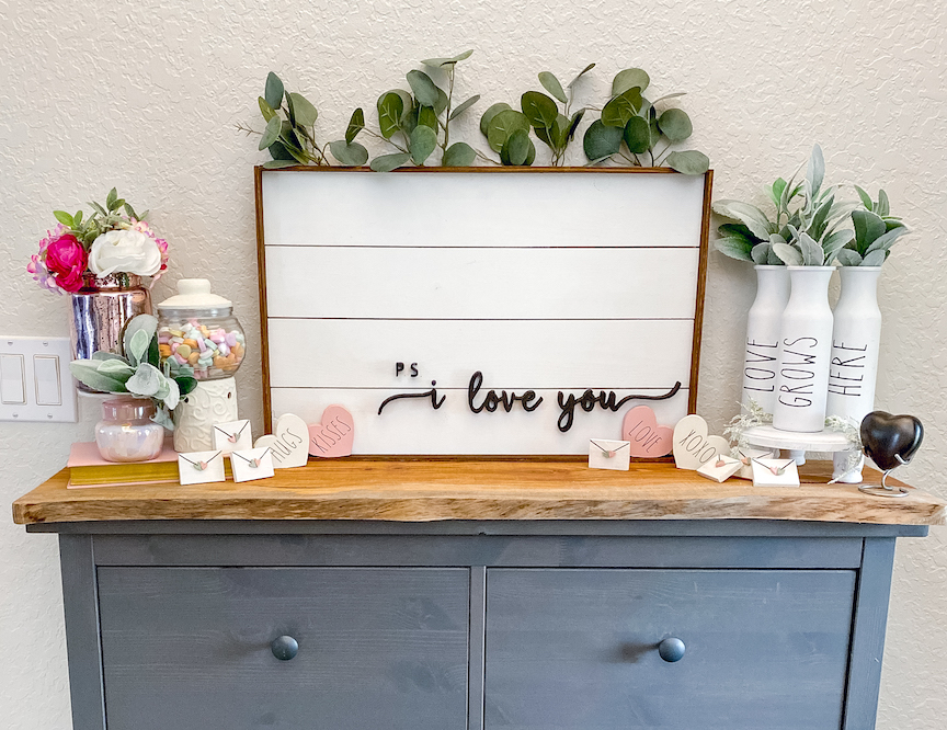 Modern Farmhouse Chic: DIY Shiplap Signimage
