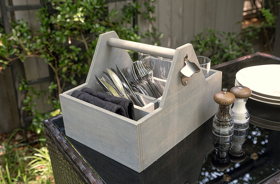 4) DIY SILVERWARE CADDY HOLDER
